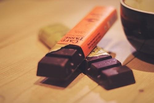 「お菓子」「チョコレート」「チョコレートドリンク」「マグカップ」「食べ物」「飲み物」などがテーマのフリー写真画像