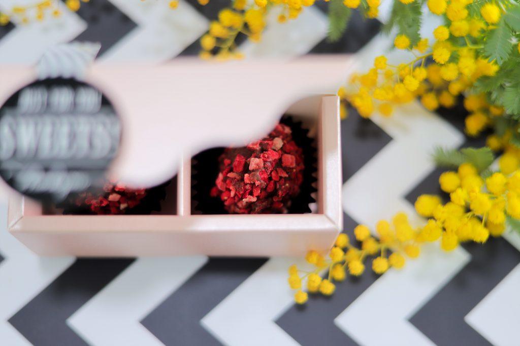 「お菓子」「チョコ」「ハート」「ホワイトデー」「食べ物」などがテーマのフリー写真画像