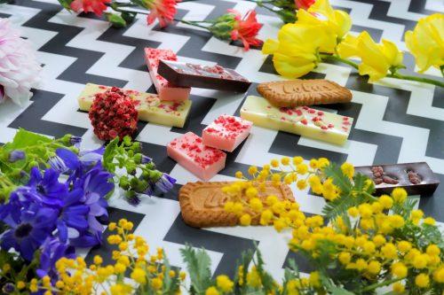 「お菓子」「ホワイトデー」「花」「食べ物」などがテーマのフリー写真画像
