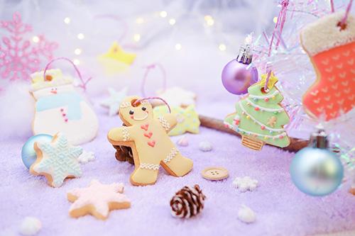 フリー写真素材:可愛すぎる世界観で作られたアイシングクッキーのクリスマスデコレーション