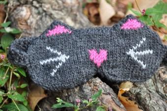cat eye mask knitting pattern