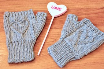 heart warmers knitted mini mitts knitting pattern 14