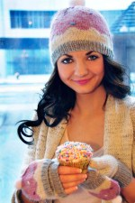 """""""Sweeter than a Cupcake"""" Hat and Fingerless Glove Set"""