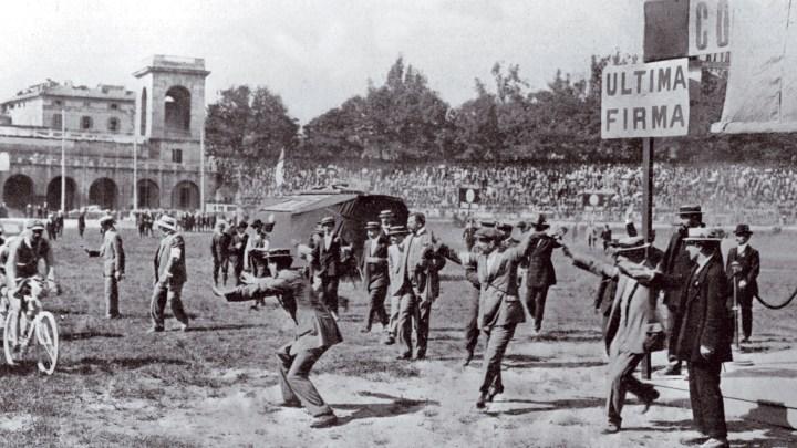Il primo Giro d'Italia che partì il 13 maggio 1909. Storia di una pazzia che dura ancora oggi
