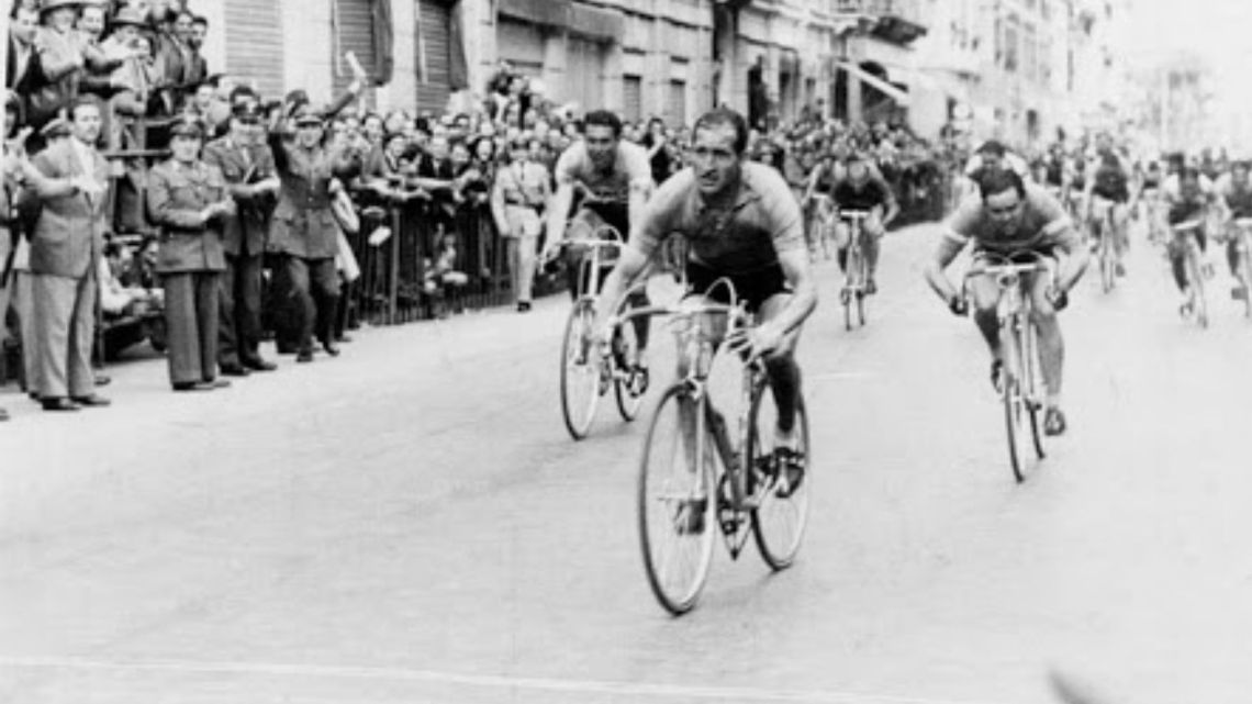 L'ultima Sanremo in una città consacrata al ciclismo