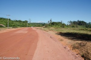 Thakhek (38)-dirty-road