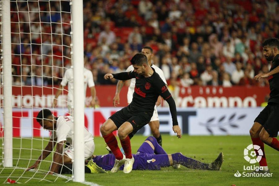 Accedez aux statistiques foot de ce joueur (stats, buts, penaltys, et cartons) Le magnifique sauvetage de Jules Koundé, le triplé de ...