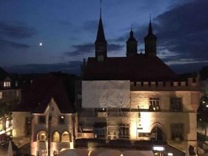 Giselheid Schulz-Ëberlin, Autorin, Eigen-Sinn-Coach, Lebensbegleitung, Mond überm Rathausdach Göttingen