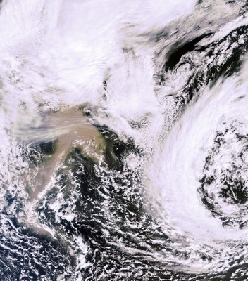 Ash plume from the Grímsvötn volcano as seen on 23 May at 12.00 GMT by the MERIS instrument on board ESA's Envisat satellite. Although the image shows the plume drifting southwest, models predict that most of the ash will be blown northeast over the Arctic Ocean.   Credits: ESA
