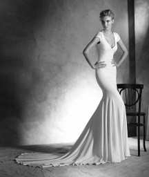 Atelier-Pronovias-2016-Wedding-Dresses-BellaNaijaIRUNE_B
