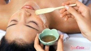 Minyak Zaitun Untuk Wajah - (Sumber: manfaat2.com)