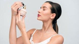 Ilustrasi: aplikasi parfum wanita (sumber: icons8.com)