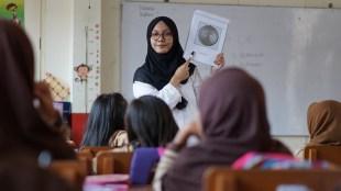 pengajar, pekerjaan tanpa tes buta warna