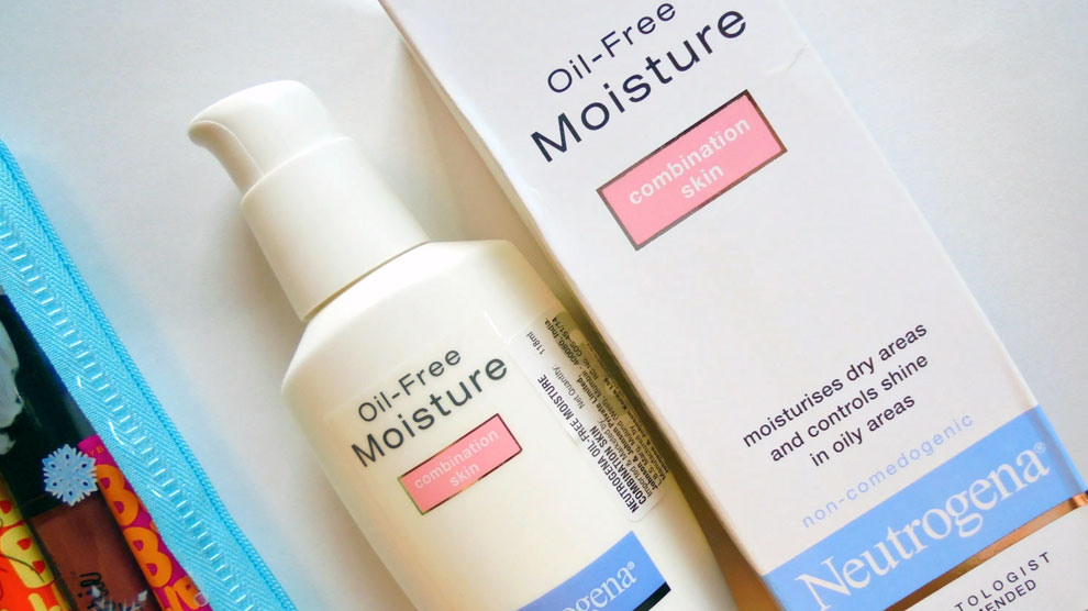Neutrogena Oil Free Moisture Combination Skin (sumber: crazyaboutcolors.com)