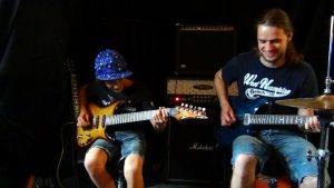 Gitarrenunterricht in Ravensburg und Markdorf Zusammenspiel mit Gitarrenbegleitung, Drumset, Metronom