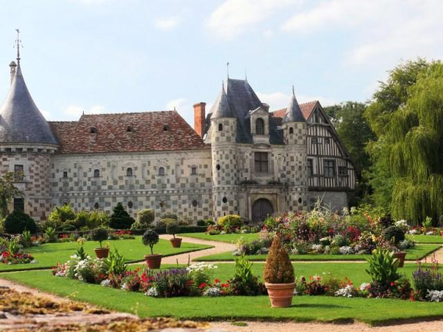 Chateau-St-Germain-Livet