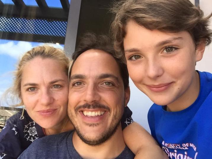Julie, Jean-François et leur fils Livio vous accueilleront chez eux comme des amis