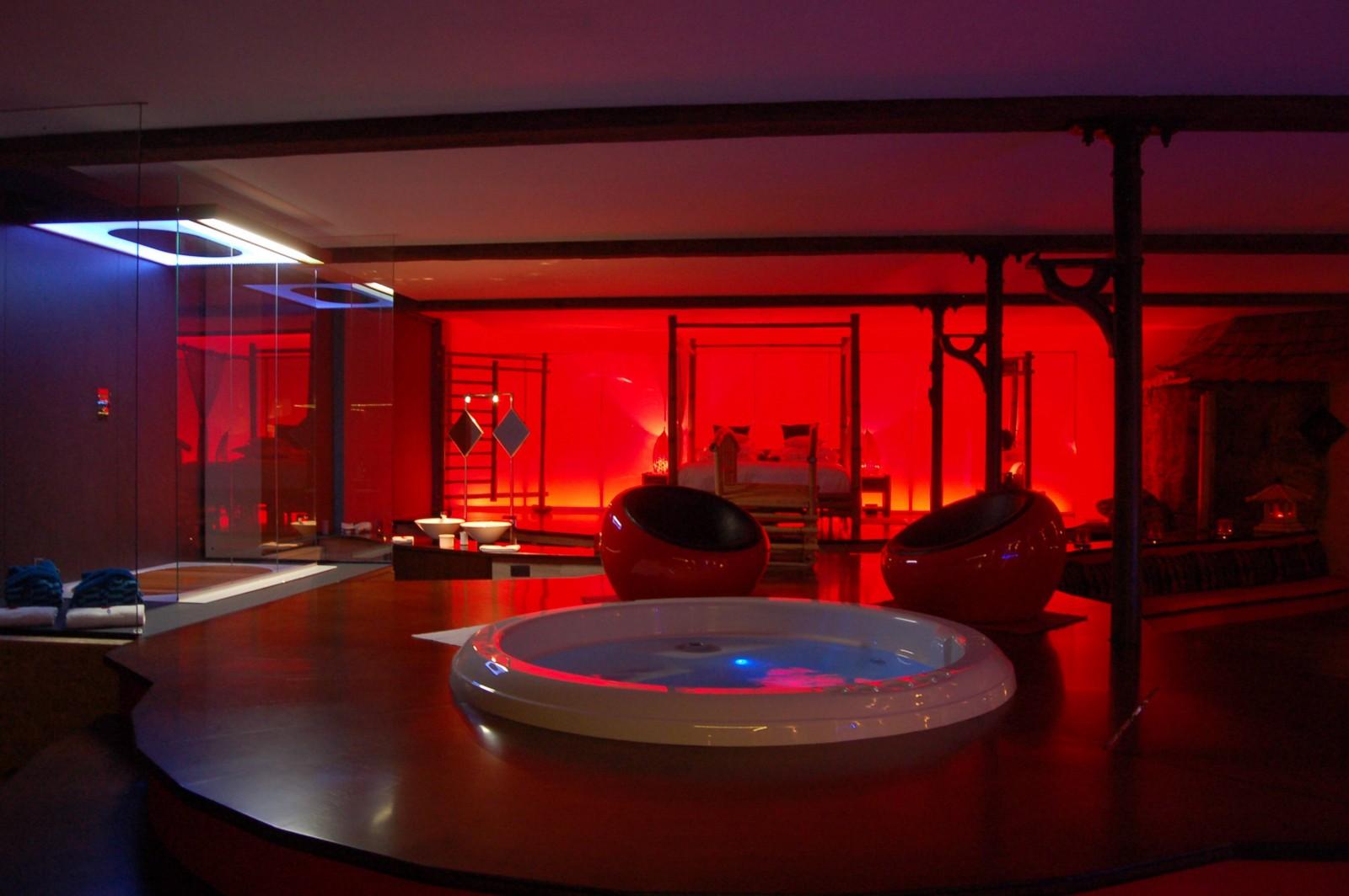 Le Loft Baiser De Shogun Chambre Avec Jacuzzi Et Sauna Ideal Pour Passer Un Week End En Amoureux