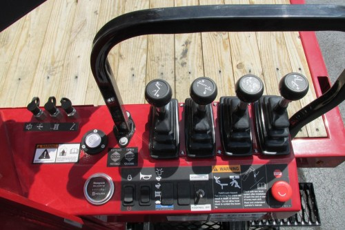 small resolution of terex bt3870 on 2015 freightliner m2 106 operator s control levers