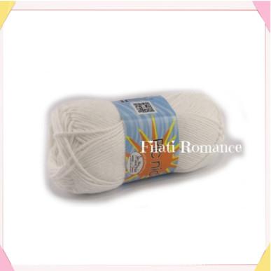 Filato utilizzato per fare il coniglietto bianco amigurumi