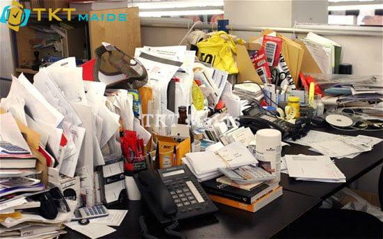 Văn phòng khá bừa bộn có thể tiềm ẩn nguy cơ gây bệnh
