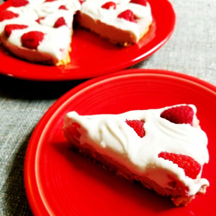 Paleo & Vegan No-Bake White Chocolate Raspberry Cheesecake
