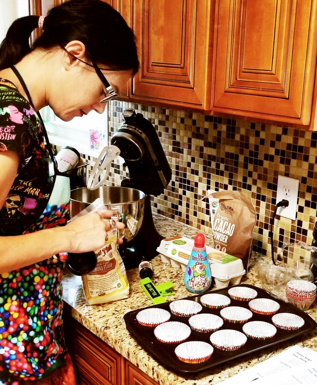 Give It A Whirl Girl making paleo dark chocolate fudge cupcakes