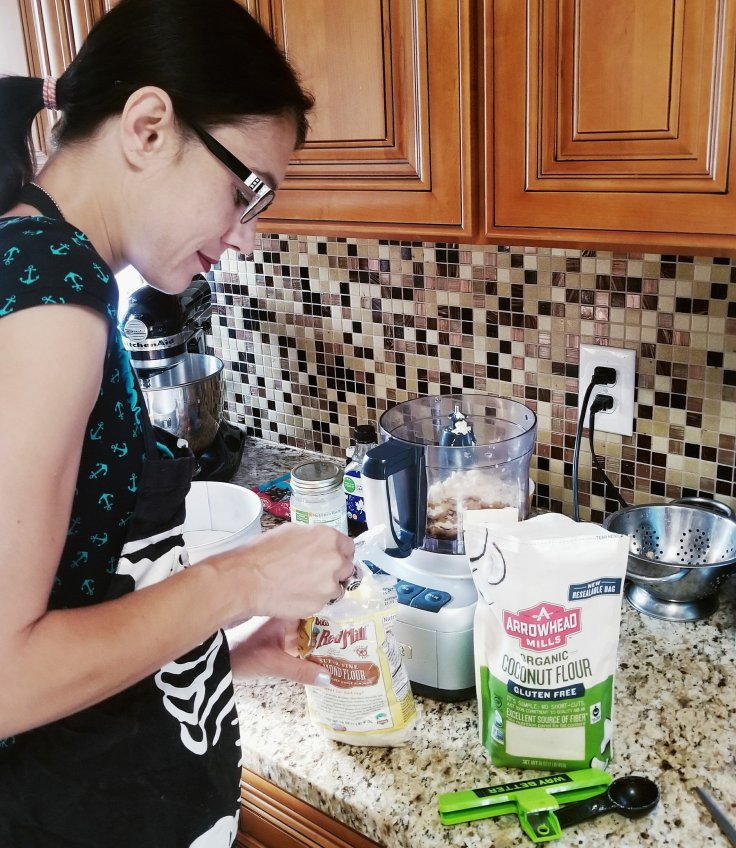 Give It A Whirl Girl creating a paleo cookie dough cheesecake