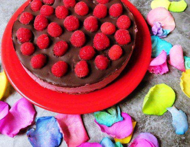 Vegan Dark Chocolate Raspberry Cheesecake Recipe (Gluten-Free)