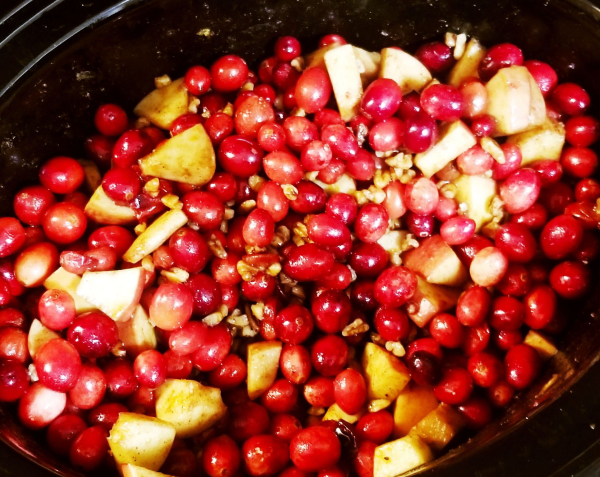Paleo Cranberry Sauce in the slow-cooker