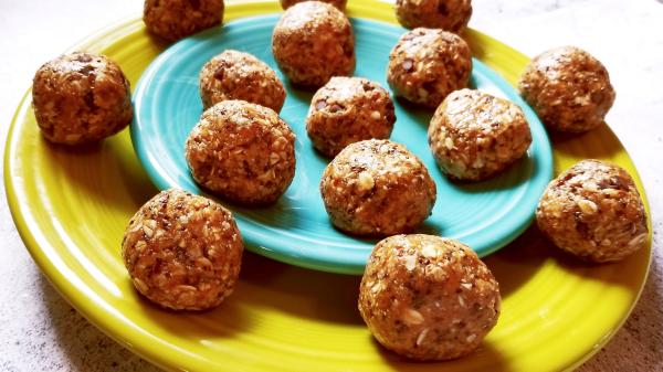 Toasted Coconut, Almond, & Chia Energy Balls No-Bake RECIPE