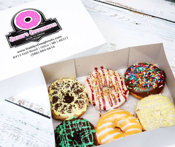 A half-dozen of donuts from Daddy's Doughnuts - REVIEW by Give It A Whirl Girl
