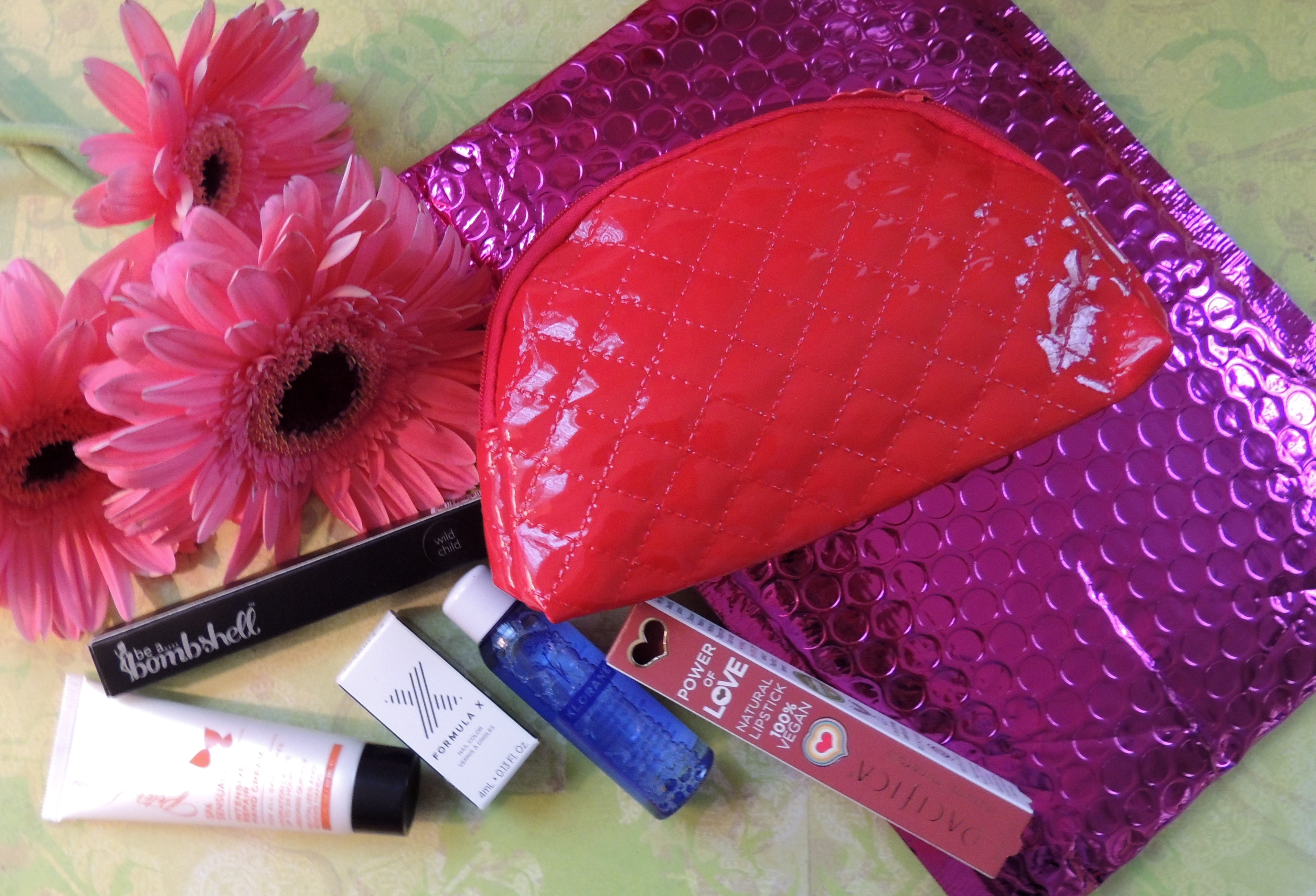 IPSY December 2015 Glam Bag – Give Me Gorgeous!