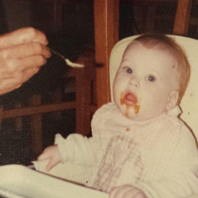 Annie Eating1