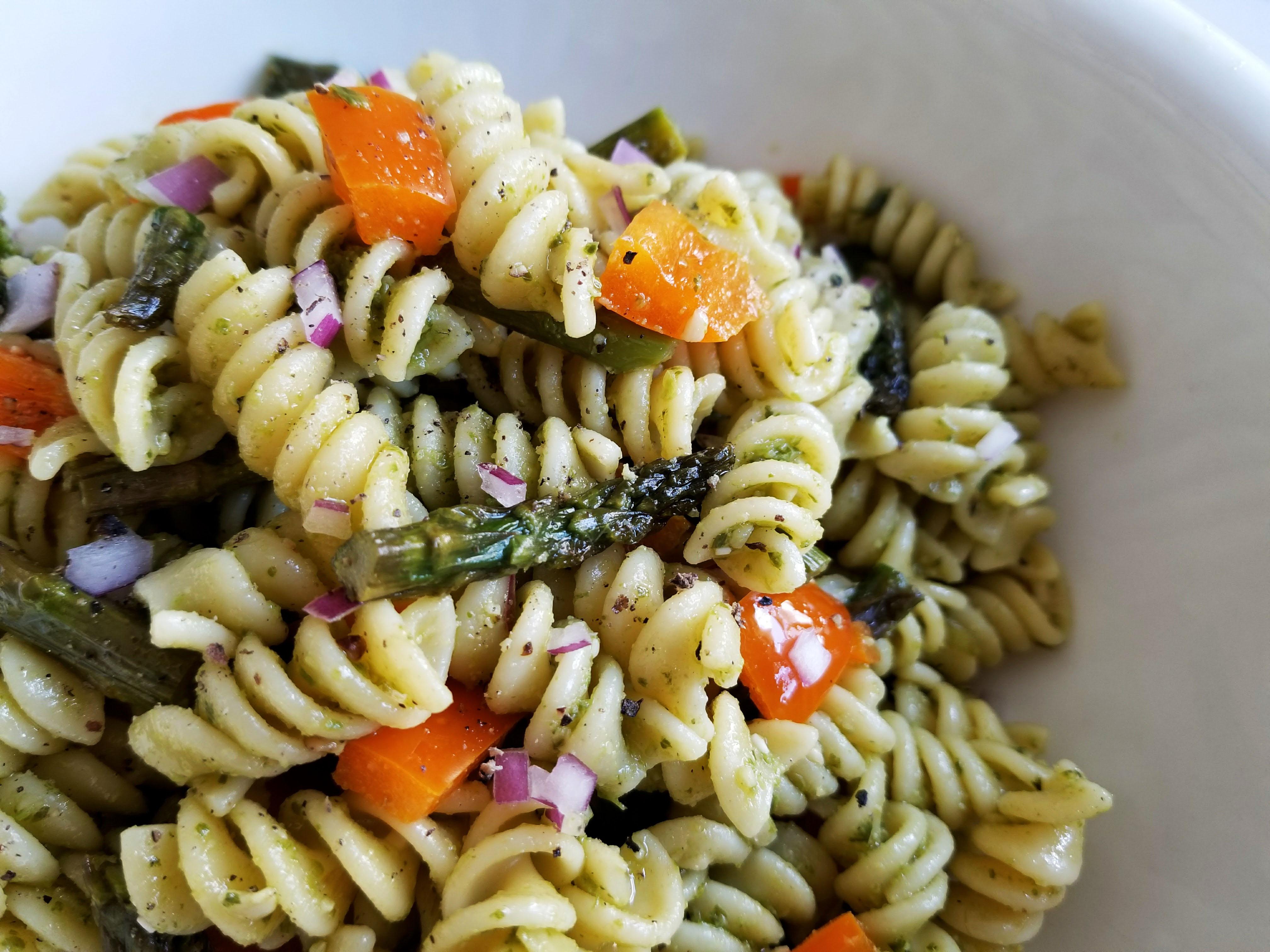 pesto pasta salad with asparagus