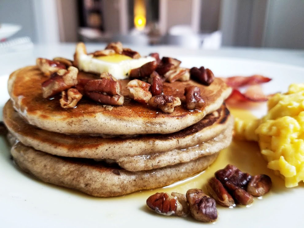 fluffy fall spiced pancakes