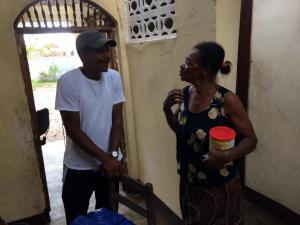 Alex speaks to the sister of the home before we head back to Gran Goave.