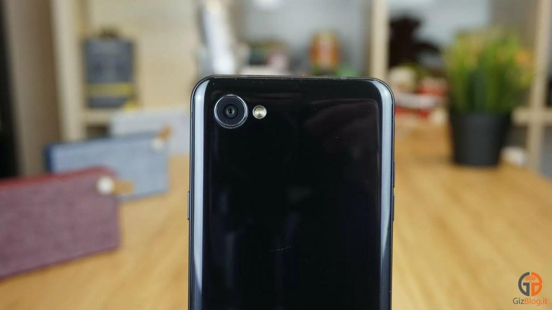 LG-Q6-6