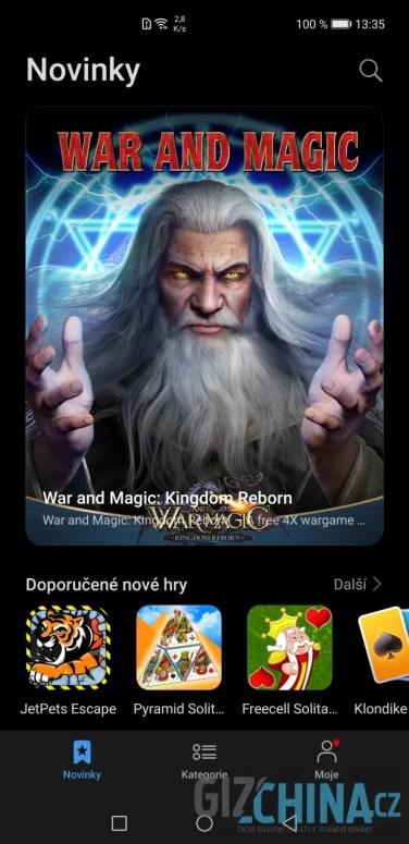 Pro stahování her slouží aplikace GameCenter