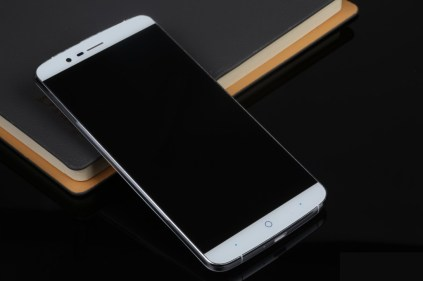 Elephone P8000 (1)