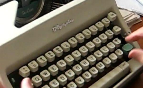 Máquina de escrever.