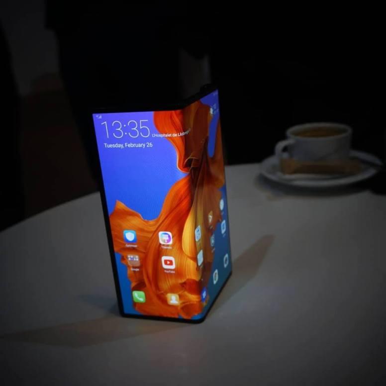 Huawei Mate X (Foto: IG @ijnap)