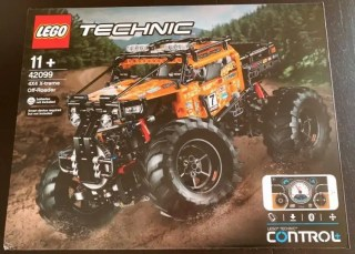 LEGO Technic 4x4 X-treme Off-Roader (42099) - Box Front Powered Up