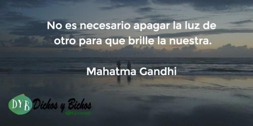 Luz - Gandhi