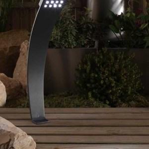 Aluminium LED-Strahler Olympus auf Terrasse