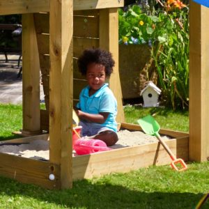 Spielturm Cubby mit Sandkasten
