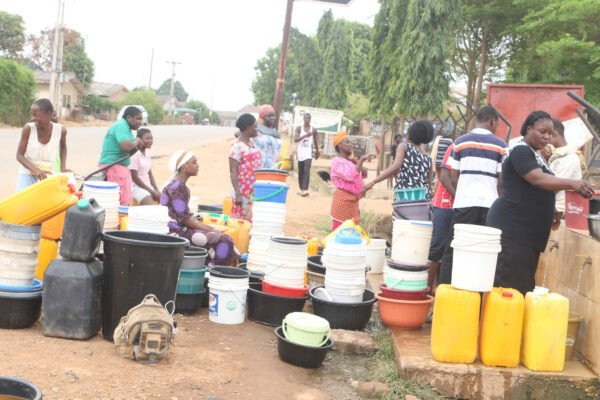Abuja Residents Forced To Fetch Water From Streams Due To Water Scarcity (Photos) 9