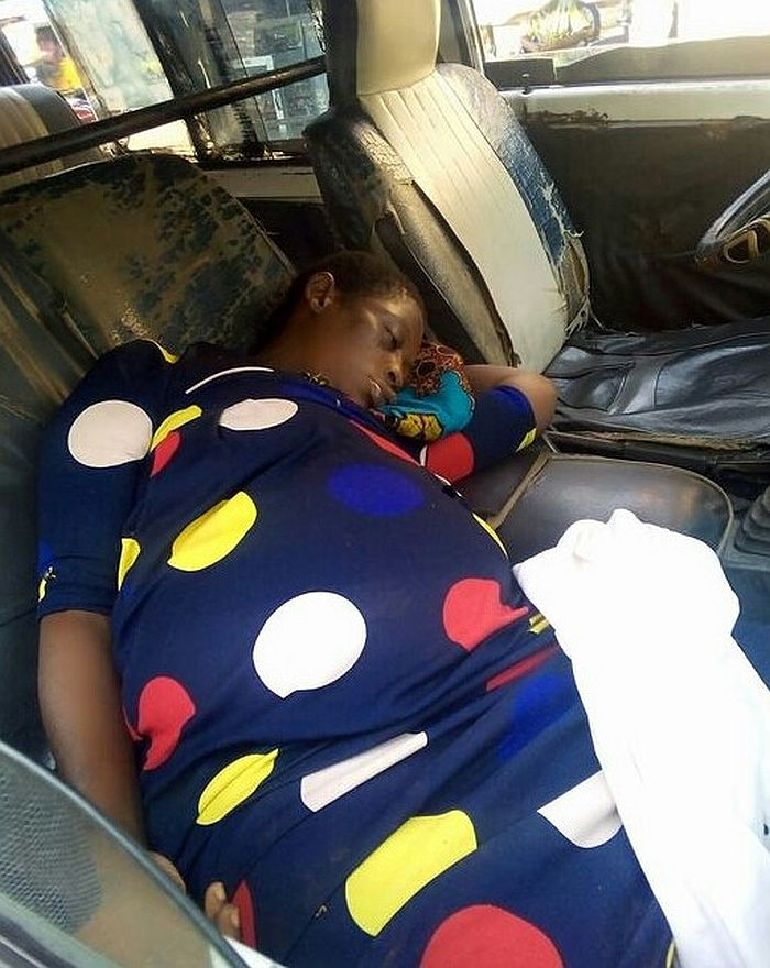 SO SAD!! Unidentified Pregnant Woman Dies Inside A Commercial Bus In Anambra State (Photos) 1