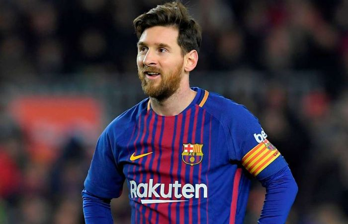 Messi Returns To Barcelona To Extend His Stay 1