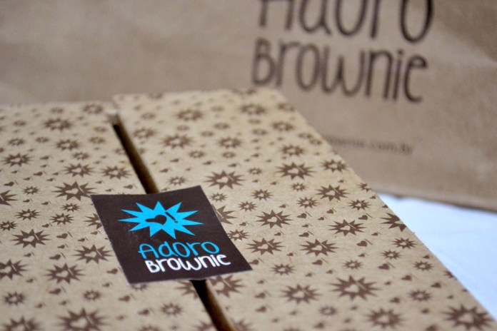 Adoro-Brownie-embalagem-kraft-fechada